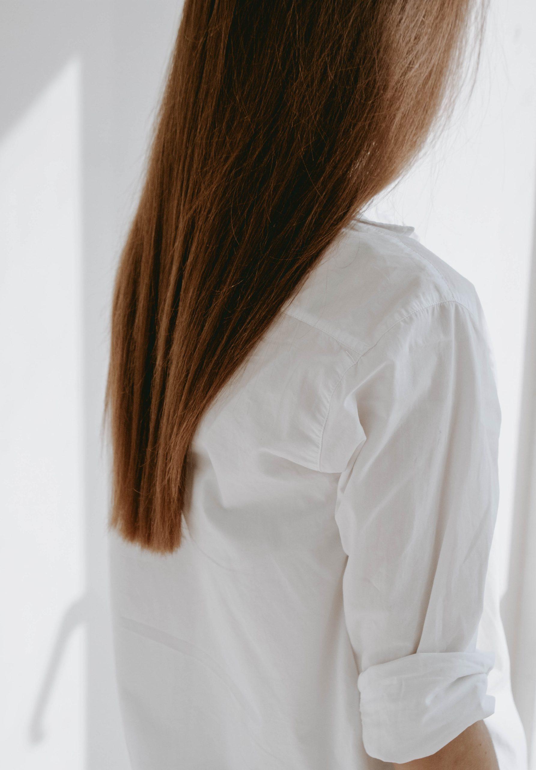 jak wykonywać olejowanie włosów