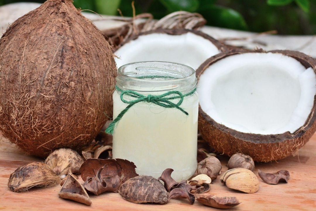 kąpiel w oleju kokosowym