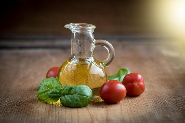 ile kalorii ma oliwa z oliwek łączona z pomidorami