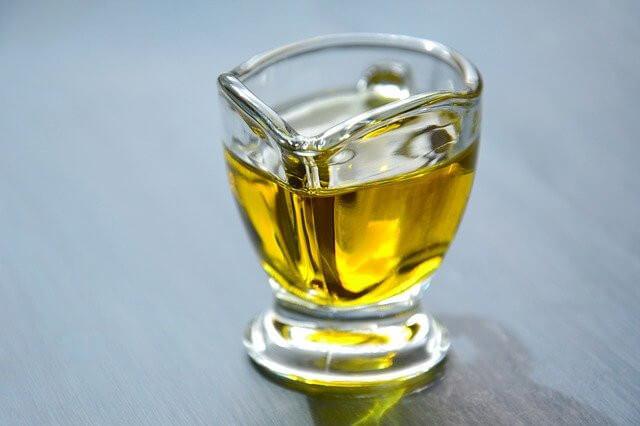 czy oliwa z oliwek na diecie się przyda
