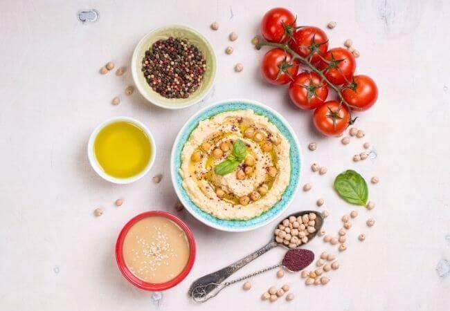 Z czym jeść hummus? Hummus na diecie - kalorie